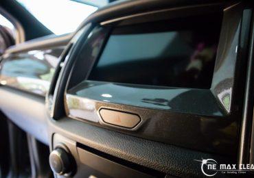 ฟิล์มใสกันรอยภายใน Ford Raptor